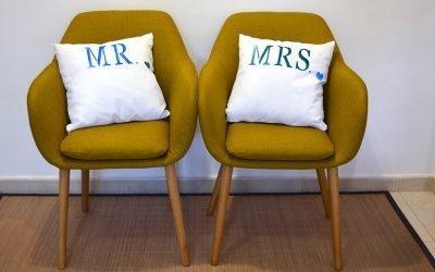 Cómo conseguir cojines de pareja personalizados